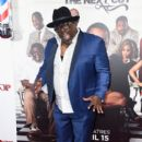 Cedric The Entertainer attends the premiere of New Line Cinema's