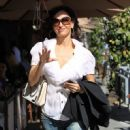 Sofia Milos Grabs Lunch in Beverly Hills - 451 x 600