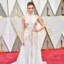 Hailee Steinfeld At The 89th Annual Academy Awards (2017)
