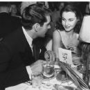 Vivien Leigh and Laurence Olivier - 454 x 360
