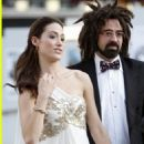 counting crows singer dating Since its release in 1993, the counting crows hit mr jones has left fans wondering about the identity of the song's namesake lead singer adam duritz revealed all during an interview with huffpost live on thursday one long-running theory claimed the tune was about duritz's penis, but the truth.