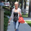 'Jenny's Wedding' actress Katherine Heigl stops by a studio in Studio City, California on August 10, 2015 - 433 x 600