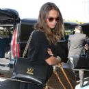 Alicia Vikander and Michael Fassbender – Catch a Flight Out of LAX 07/25/2017 - 454 x 663