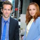 Rachael Leigh Cook and Ryan Reynolds