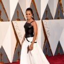 Kerry Washington At The 88th Annual Academy Awards - Arrivals (2016)