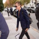 Cara Delevingne – Arriving at her hotel in Paris