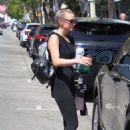 Ashlee Simpson – Leaves Tracy Anderson Gym in LA - 454 x 681
