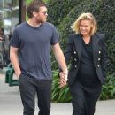 Sam Worthington and Lara Bingle - 454 x 619