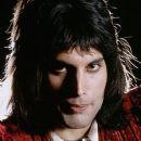 Freddie Mercury - 380 x 576
