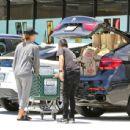Jessica Alba– Grocery Shopping in Malibu, July 2016 - 454 x 437