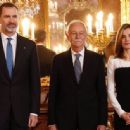 King Felipe and Letizia host a lunch for literature world members - 454 x 336