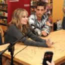 debby ryan and jean-luc bilodeau Buddies frontières - 454 x 290