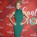 Nicky Whelan – 'Christmas at Holly Lodge' Screening in LA - 454 x 669
