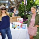Sarah Michelle Gellar – Foodstirs Host Kids in the Kitchen at The Grove in Los Angeles 10/02/2016 - 454 x 346