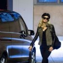 Paris Hilton – Shopping in a service station in Bologna