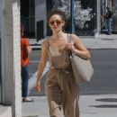 Emmy Rossum – Leaves a nail salon in Beverly Hills - 454 x 681
