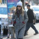 Jessica Biel – Shopping in Manhattan - 454 x 682