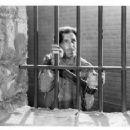 The Prisoner of Shark Island - Warner Baxter - 454 x 357