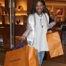 Brandy Norwood – Shopping in Beverly Hills - 454 x 656
