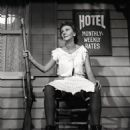 Mary Martin In The LIVE TELEVISION PRODUCTION Of ANNIE GET YOUR GUN 1957 - 454 x 480