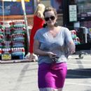 Hilary Duff goes to her neighborhood market in Los Angeles,Ca