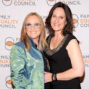 Melissa Etheridge and Linda Wallem - 395 x 594