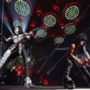 Kiss's End Of The Road show in Montreal, on August 16, 2019 - 454 x 316