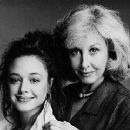 Leah Remini & Michael Learned - 320 x 240