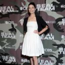 Jessica Pare – 'SEAL Team' Premiere in Los Angeles - 454 x 632