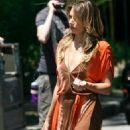 Madchen Amick Madchen Amick On The Set Of Gossip Girl Set On Long Island 2008-06-25 - 454 x 684