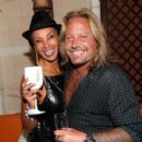 Downtown Julie Brown & Vince Neil - 454 x 409