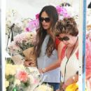 'Furious 7' actress Jordana Brewster went to the farmer's market with her family in Los Angeles, California on August 21, 2016 - 454 x 516