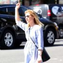 Claire Danes – Hail a cab in New York City - 454 x 559