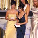 Penelope Cruz and Salma Hayek - The 77th Annual Academy Awards (2005) - 396 x 612