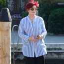 Sharon and Aimee Osbourne out in Venice - 454 x 717