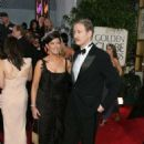 Phoebe Cates and Kevin Kline  - The 62nd Annual Golden Globe Awards - 454 x 654