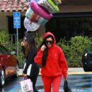 Kourtney Kardashian celebrating a friend's birthday at Lovis Restaurant in Calabasas, California on January 9, 2017 - 439 x 600