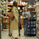 Angelina Jolie Shopping With Daughters In Los Angeles  (September 04, 2019) - 454 x 453