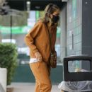 Jessica Alba – Dons casual while out in Beverly Hills