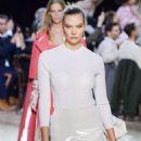 Karlie Kloss – Marc Jacobs Fall 2020 Runway Show at New York Fashion Week