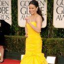 Paula Patton Brightens Up the 2012 Golden Globe Awards