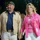 Garth Brooks and Trisha Yearwood - 453 x 352