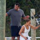 Jennifer Lopez – Celebrate her birthday on a boat in Nassau