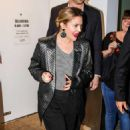 Drew Barrymore – Heads to a restaurant in New York