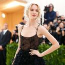Daria Strokous – 2017 MET Costume Institute Gala in NYC - 454 x 363
