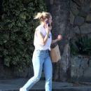 Kristen Bell in Jeans – Shopping in Los Angeles