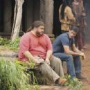 Matthew Fox as Jack and Jorge Garcia as Hurley on Lost ( Ep. 6x 05 - Lighthouse) - 454 x 302