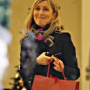 Fiona Phillips - 351 x 594
