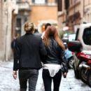 Jamie romances in Rome - 412 x 594