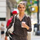 Katie Holmes shopping on Madison Ave in NYC - 454 x 556